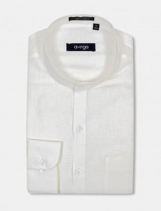 Avega cream hue linen solid shirt
