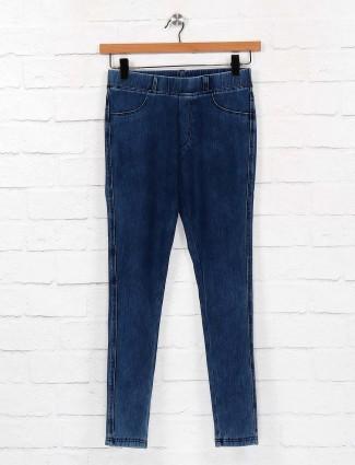 Blue color denim skinny fit jeggings