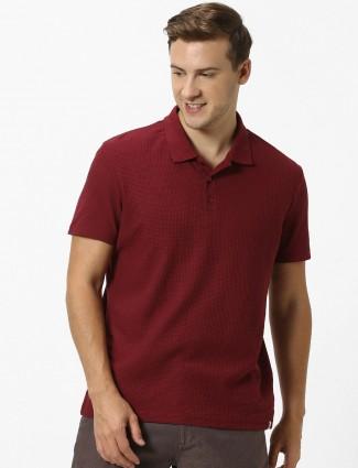 Celio polo maroon cotton solid t-shirt