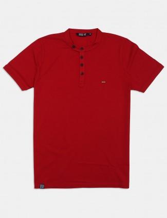 Freeze maroon henley neck solid t-shirt