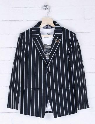 Full sleeves stripe black hue blazer