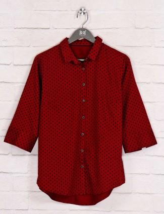 Maroon printed collar neck shirt