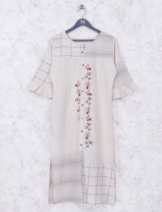 Off white colored cotton kurti