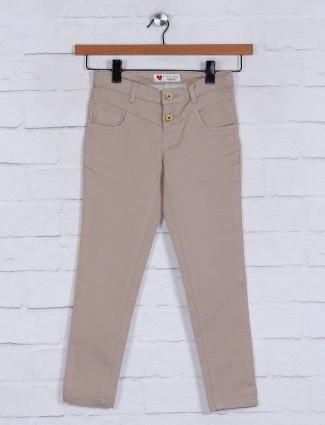 Solid beige denim jeans for girls