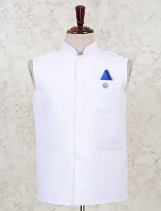 Solid white cotton silk waistcoat