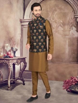 Thread woven black and olive waistcoat set