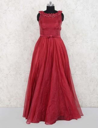 Tissue silk gown in maroon hue