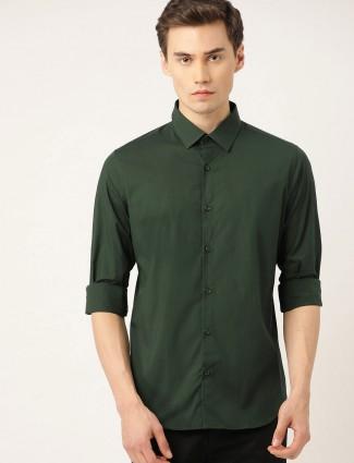 UCB solid cotton dark green shirt