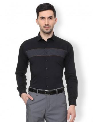 V. DOT solid black cotton shirt