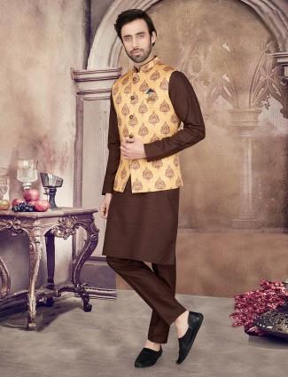Yellow and brown printed mens waistcoat set