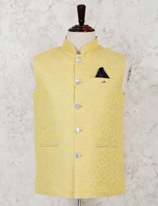 Yellow thread weaving silk waistcoat