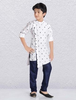 Zitter pattern white colored cotton kurta suit