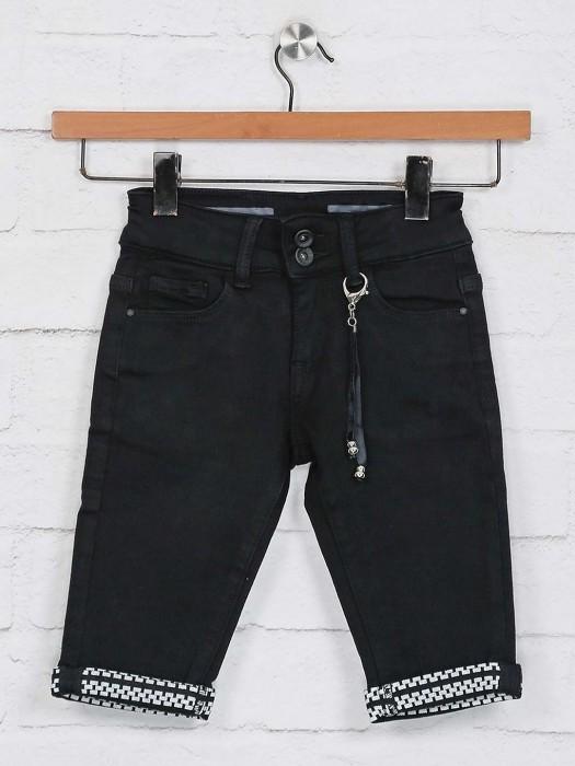 Deal Black Solid Casual Half Pant