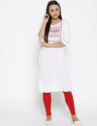 Aurelia white color round neck cotton fabric