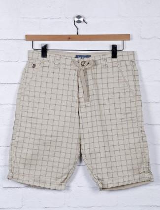 Beevee beige hue checks pattern shorts