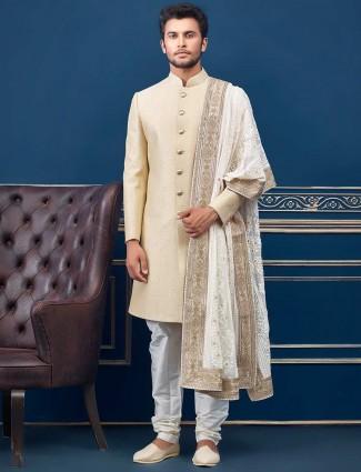 米色纹理设计毛圈人造丝婚礼印度西部