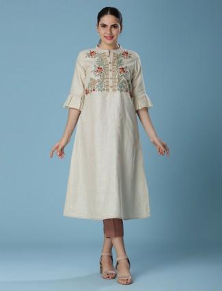 Beige tunic in linen fabric