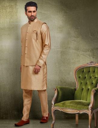 Beige waistcoat set in raw silk
