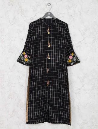 Black hue cotton kurti in checks