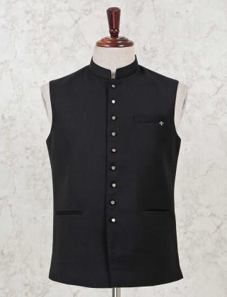 Black solid cotton silk waistcoat