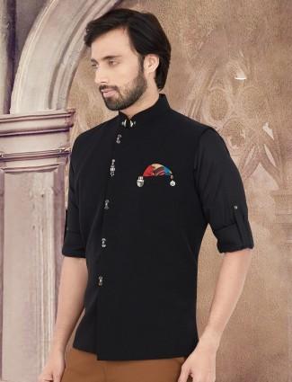 Black solid sleeveless cotton waistcoat