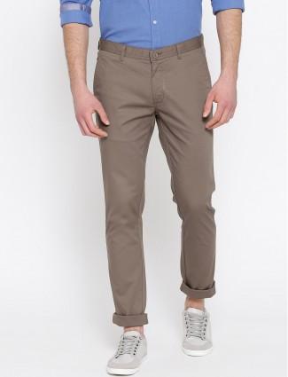 Blackberrys brown hued solid trouser