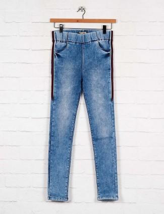 blue color denim slim fit jeggings
