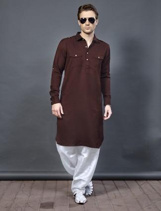 棕色棉质Pathani西装
