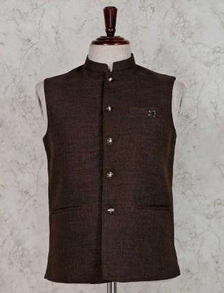 Brown welt pocket solid waistcoat