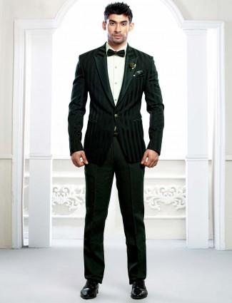 Dark green hue stripe pattern tuxedo suit