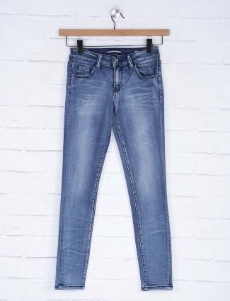 Deal blue color comfortable denim jeans