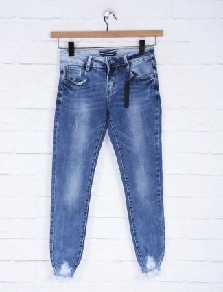 Deal whiskered effect denim jeans in blue color