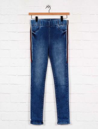 denim blue color skinny fit jeggings