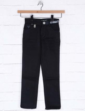 Forway presented navy hued jeans