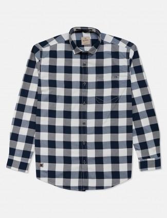 Gianti blue and white checks full sleeves shirt
