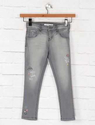 Gini and Jony washed grey hued jeans