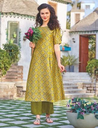 Green color printed kurti in cotton