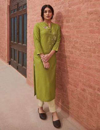 Green thread inflated cotton kurti