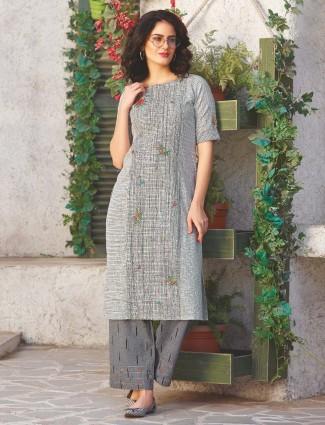 Grey hue pretty kurti in cotton
