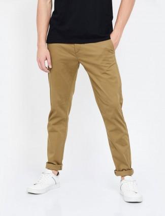 Levis休闲浅棕色修身锥形合身长裤