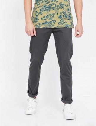 李维斯(Levis)纯色深灰色修身锥形裤