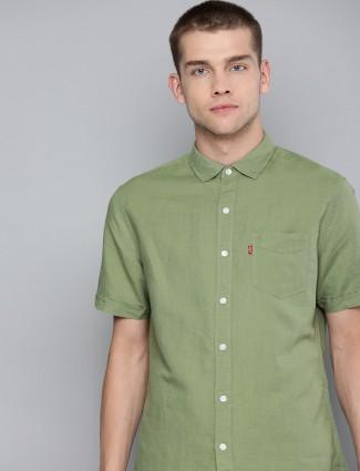 Levis solid green linen shirt