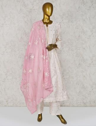 Light pink punjabi salwar suit for festival