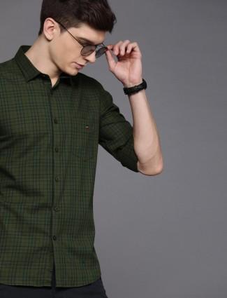 LP presented checks green casual shirt