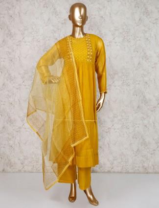 Mustard yellow pakistani salwar kameez in cotton