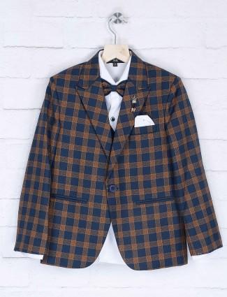 Peack lapel collar pattern blue coat suit