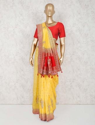 美化黄色丝绸婚礼纱丽