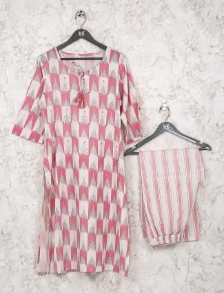 Pretty pink printed cotton kurti set