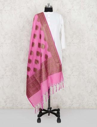 漂亮的粉红色丝绸面料dupatta