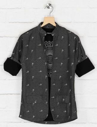Printed black hued cotton blazer